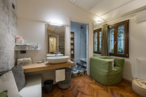 Room S Junior Suite with Bathroom and Private Balcony – room details