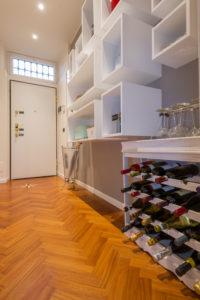 Moscova 29 - Ingresso e cantinetta vino