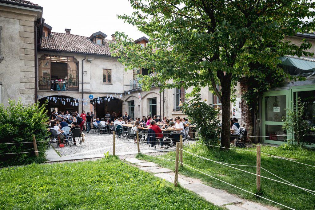 Un posto a Milano, cascina cuccagna