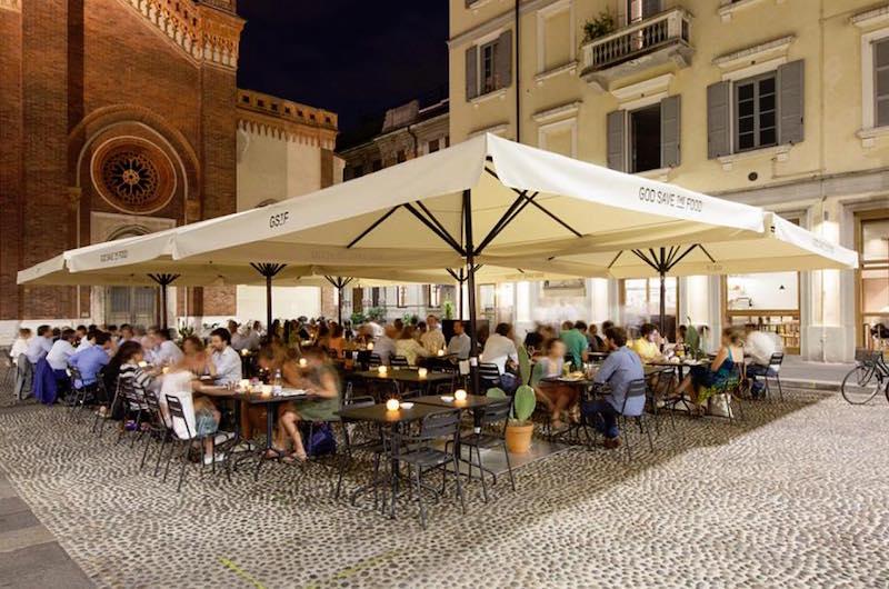 god save the food dehor in piazza Santa Maria del Carmine