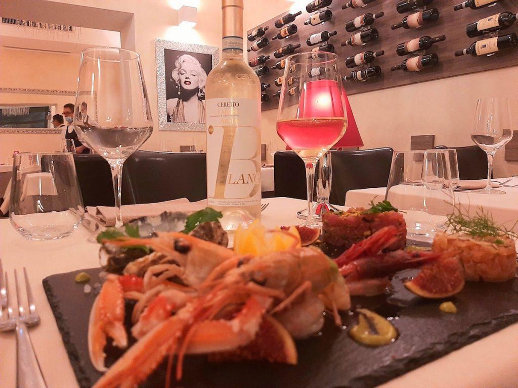 I tesori del mare piatto in tavola